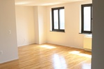 OUTSTANDING SHARE---3 BEDROOM 2 BATH in SOHO--MOTT/E.HOUSTON--MOVE IN NOW